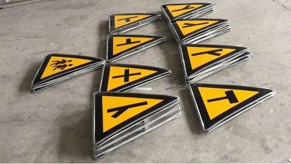 关于道路交通标志牌反光膜要求